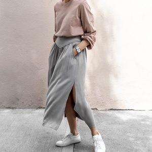 Aritzia Wilfred Midi Skirt M